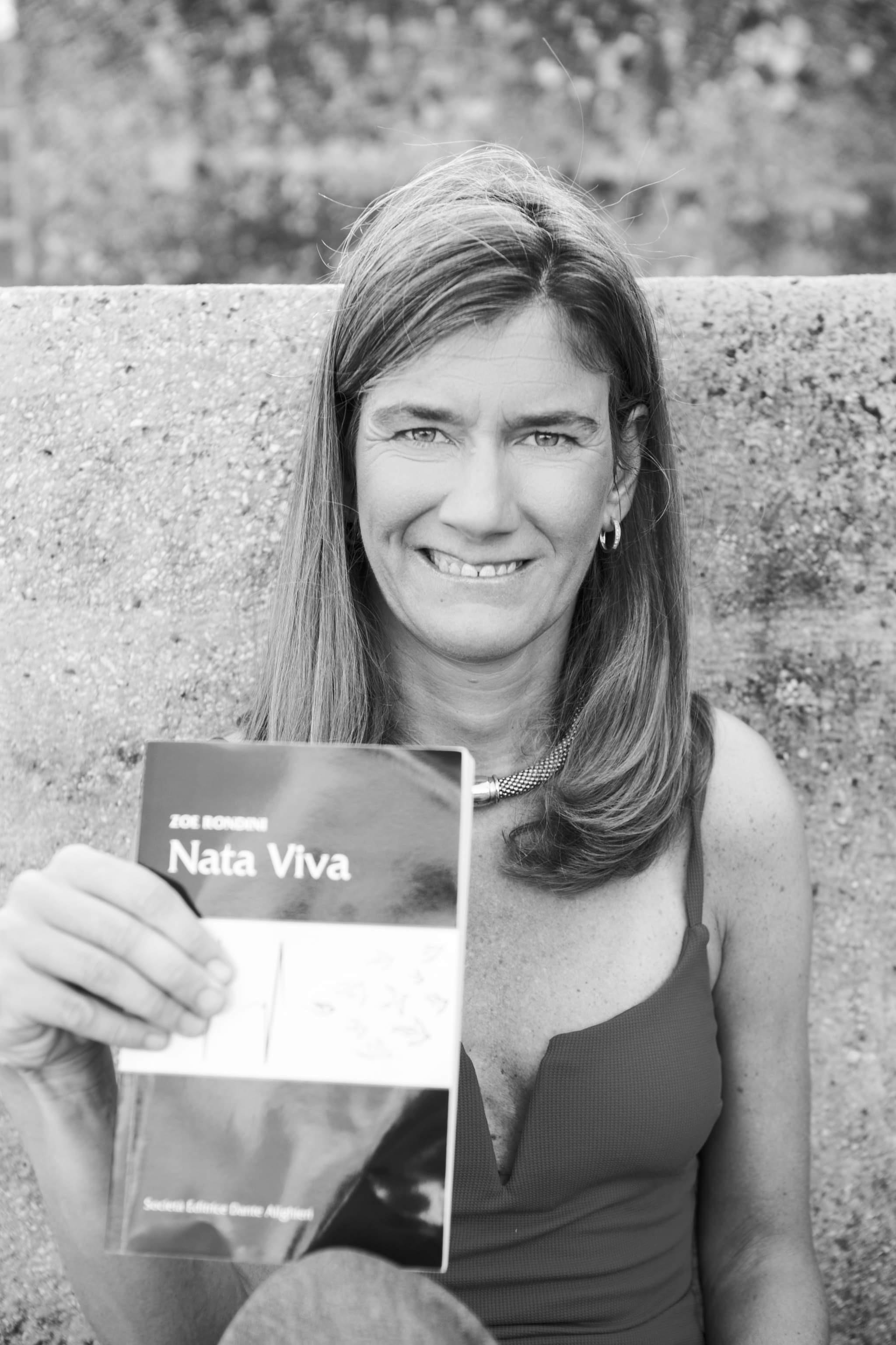 """""""Nata viva"""": un'autobiografia che è un viaggio introspettivo di crescita e di riflessione - Featured image"""
